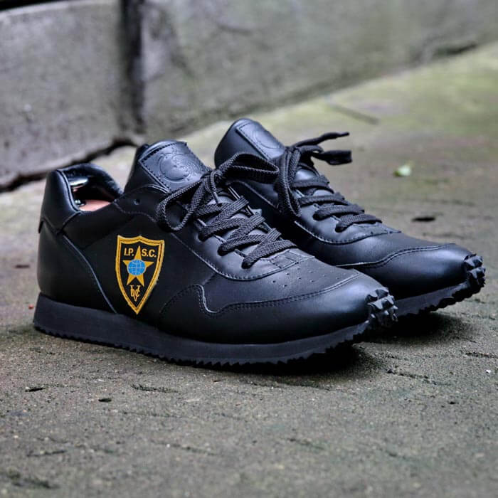 Sneakers for the shooting club Piranha