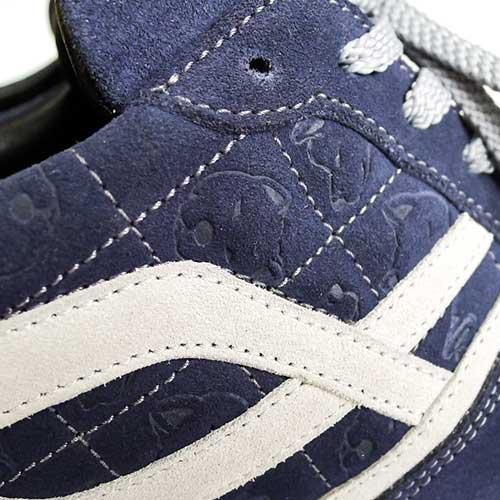 Нанесения паттерна или фирменной графики на обувь тиснением